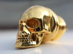 This tiny whistle is damned loud!  It's so noisy, you might be able to wake up the decedents. Therefore, beware of using it near cemeterys on spooky nights! Gold plated brass whistle which can be used as a pendant. Manufactured via i.materialise.com 3D printing service.