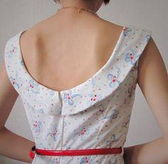 A lovely dress made by modifying a Simplicity pattern.