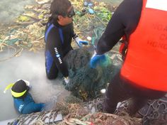 Tons of marine debris collected from Hawaiian Islands http://www.xray-mag.com/content/noaa-collects-tons-marine-debris-northwestern-hawaiian-islands. Photo: NOAA