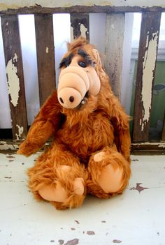 1986 ALF DOLL.....kitsch. alien. 80s. television. toy. character. doll. kids. collectible. plush doll. 1980s. vintage alf doll