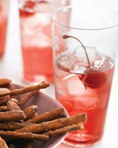 Cocktail sans alcool : grenade et eau pétillante.