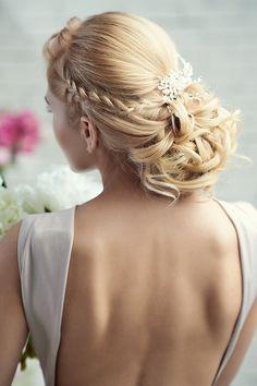 acconciatura sposa raccolta elaborata, elegante, matrimonio #wedding #hair #style #weddings #hairdos #hairstyle #updo #braid #blonde http://www.matrimonio.it/collezioni/acconciatura/