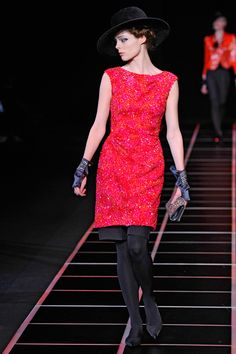 Giorgio Armani Fall 2012 RTW - Review - Fashion Week - Runway, Fashion Shows and Collections - Vogue