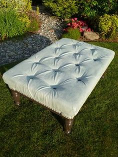 DIY Furniture: DIY Ottoman: DIY Home Idea: DIY Tufted Ottoman