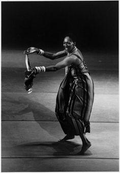 "Judith Jamison performing ""Fanga"""