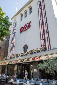 Restaurant - Foyer - Club Rex, Groest 23 in Hilversum. Lekker eten in een voormalige bioscoop.