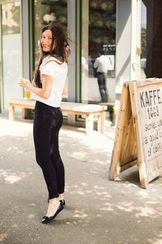 Ann Street Studio's Jamie Beck makes a chic statement in Banana Republic x Roland Mouret pants.