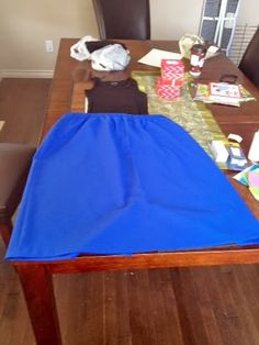 Canadian Cupcakes: DIY Frozen Anna Dress black shirt and tulle skirt