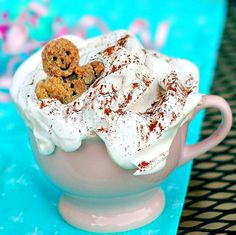 Starbucks copycat recipe: Gingerbread Spice Latte - love the idea, I'll use it with hot chocolate