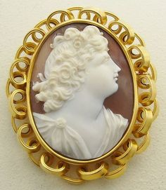 Antique Hand Carved Shell Cameo Gold Brooch