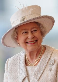 images of queen's diamond jubilee - Google Search