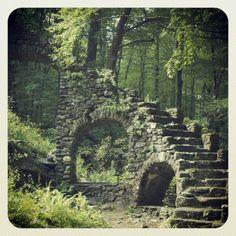 madam sherri, romantic places, engagements, chesterfield, castles, engagement pics, sherri castl, castl ruin, picnic