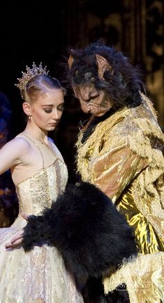 Birmingham Royal Ballet - Beauty and the Beast; Elisha Willis as Belle and Robert Parker as the Beast; photo: Bill Cooper