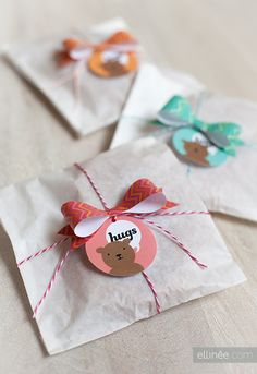 gift wrapping, paper bows, favor, gift tags, bear hugs, mini paper, bakers, printabl, baby showers