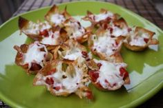 Simple party #appetizer -- mini wonton #pizza bites that come together in minutes