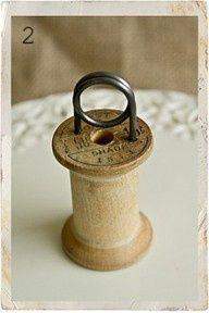 Spool photo holder
