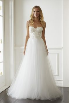 Lisa Gowing wedding gown