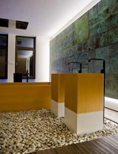 contemporary bathroom decor