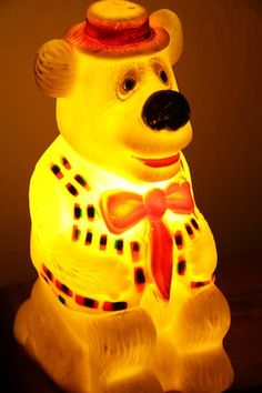 Humphrey B Bear Retro Vintage Light