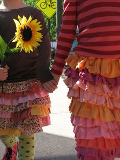 Adorable little girl's ruffle skirt. I'm sure this can be a DIY...