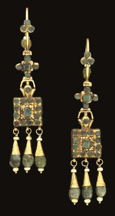 A pair of Moroccan emerald inset gold earrings   Fez   first half of 19th century.