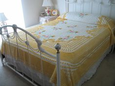 CHENILLE BEDSPREAD, VINTAGE, Yellow, White, Pink, Green, Floral, Full Or Queen, Rare.