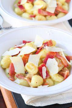 Creamy Pesto Gnocchi with Bacon & Parmesan. This creamy pesto alfredo sauce is incredible!!