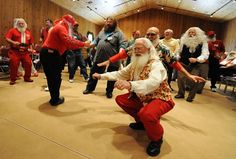 Yes, there is a Santa school. Midland, Michigan. (Not vintage, but it IS funny!)
