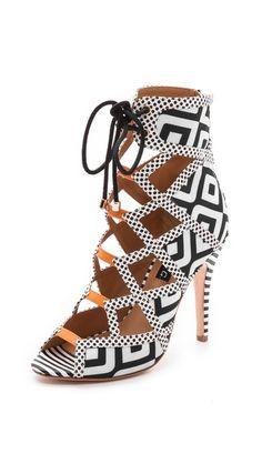 statement heel, laceup sandal