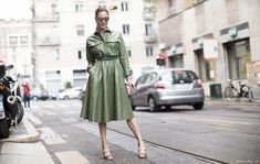 summer street, street fashion, fashion wise, street style, green dress, spring, ecesukan