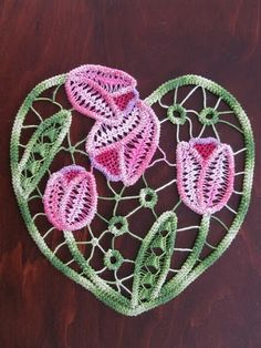 Romanian Point Lace Crochet - tulips in a heart shape