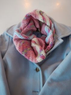 Apple Blossom Dreams: Chevron Infinity Scarf in HDC - Pattern and Tutorial