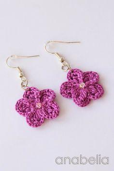 Crochet earrings by Anabelia