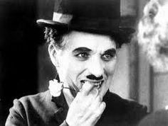 """Charlie Chaplin """"Je compris alors ce que c'était que le bonheur parfait : quelque chose de très proche de la tristesse."""" Histoire de ma vie."""