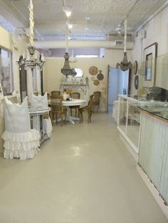 Acorn Lane Vintage Living: A shopper's dream destination!