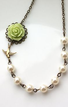 Gorgeous necklace.