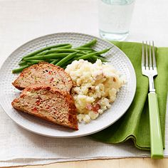 Turkey meatloaf and mashed potatoes with cauliflower make for a satisfying dinner.  #protein #vegetables #myplate