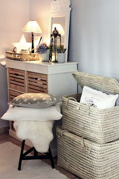 great use of wicker storage!