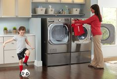 Here are helpful tips to organize and #decorate your laundry room