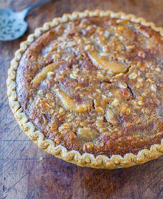 Caramel Apple Crumble Pie - Apple Pie meets Apple Crumble meets plenty of gooey caramel. Easy, fast, 5-minutes to assemble. Goofproof recipe...