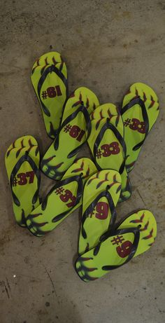 softball shoes, flip flop, softbal shoe
