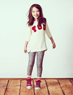 tunic + legging + sneaker. love it.