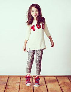 tunic + legging + sneaker. love it.
