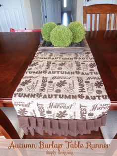 Pretty autumn burlap table runner for #turkeytablescapes from @Simply Designing {Ashley Phipps}!