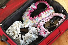 shoes, cap shoe, shower cap, pack easier, ocd hahha, shoe cover, clever trick, creativ idea, packing tips
