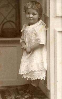 Alicia Maud Jenkins in 1914 by lovedaylemon, via Flickr