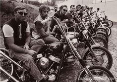 Outlaw-MC-Club-Panhead-Chopper-Beatniks-1969.