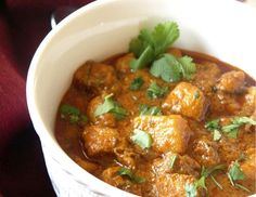 Curried Chicken in Cardamom Infused Coconut Sauce
