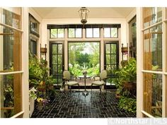 The décor in this sunroom really brings the outdoors in!