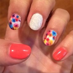 Sparkles and flowers nail art and more Spring manicure ideas!